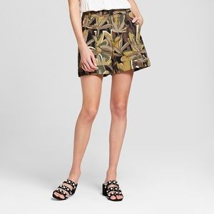 🌴 NWT Who What Wear for Target Floral Camo Shorts